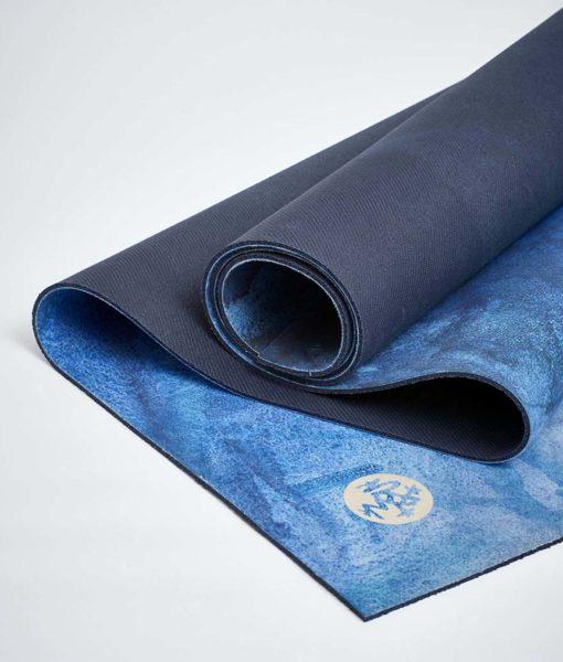 manduka equa® hot yoga mat - emily quandahl