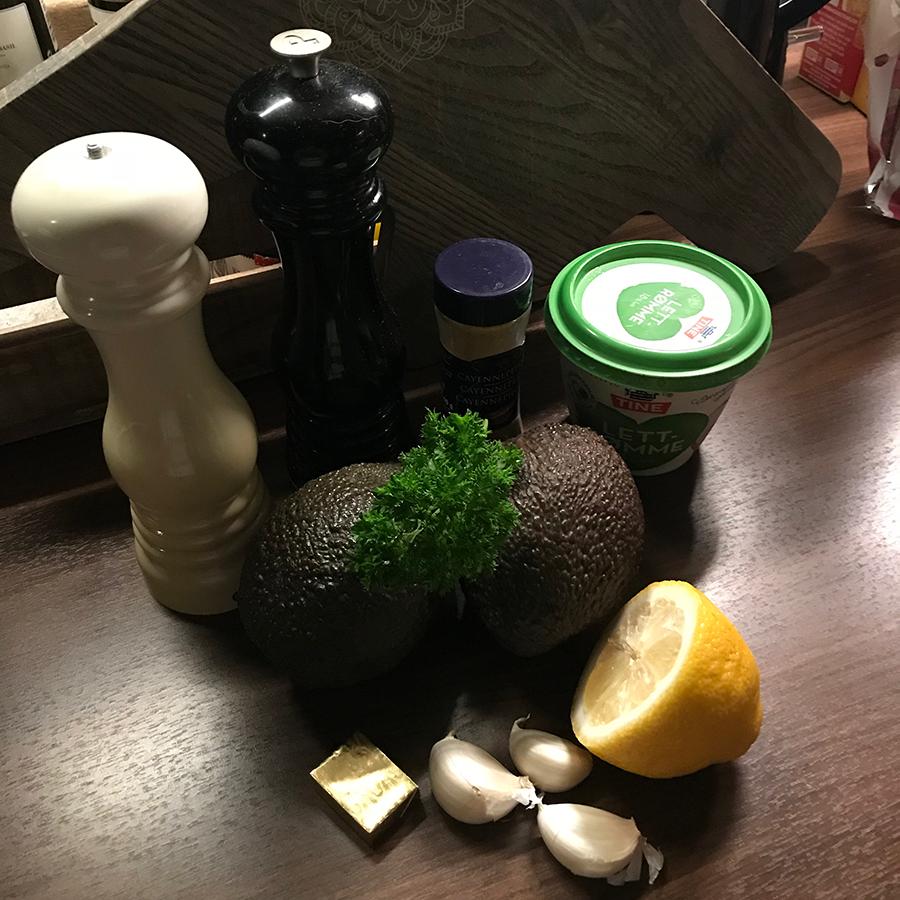 ingredienser til avokadosuppe fra Elins kjøkken