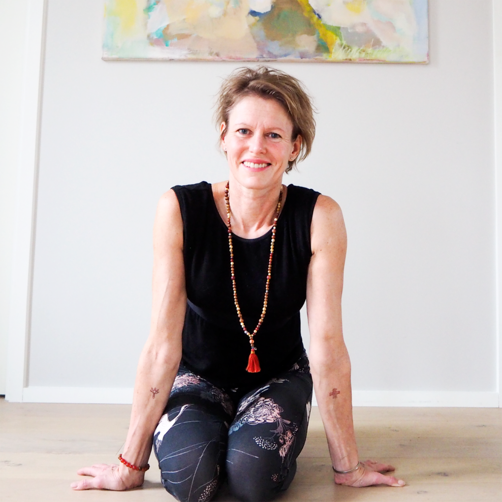 Lumi Yoga Teachers Club christine straume portrett