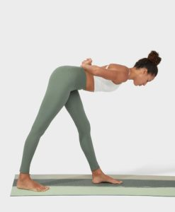 manduka essence legging laurel wreath